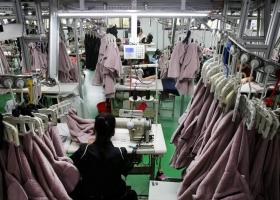 В Одессе в швейном цеху выявили 25 нелегалов, из которых 9 - с высокой температурой