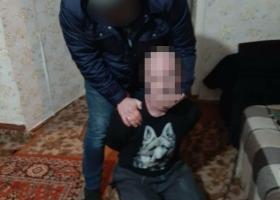 Затащил в дом и насиловал: полиция задержала харьковчанина, напавшего на 15-летнюю девушку