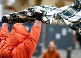 Непогода приближается: спасатели назвали области, на которые налетит сильный ветер