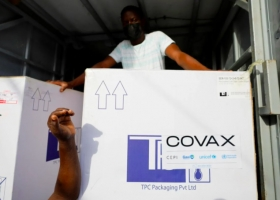 ВОЗ: в бедных странах заканчиваются вакцины от коронавируса