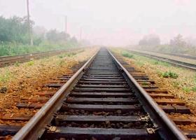 Не успел проскочить: на Буковине мотоциклист погиб под поездом