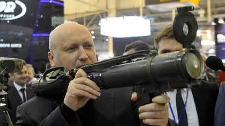 «Куля в лоб - 2»: Турчинов хватается за Маузер