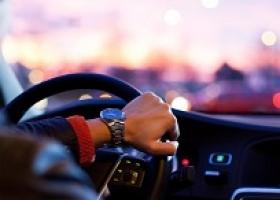 Кабмин креативит: в Минюсте заговорили о лишении водительских прав за долг по коммуналке