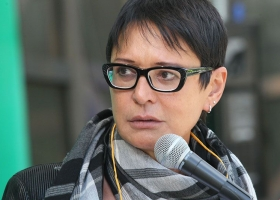Земан в юбке: Хакамада подержала идею чешского президента «продать» Крым