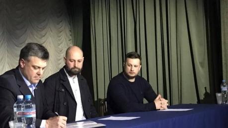 Всадники без головы: национал-патриоты объединились в очередной потешный «Фронт»