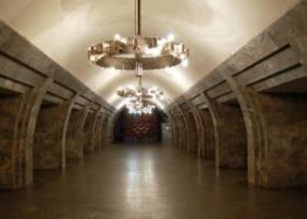 В метро неожиданно умер человек