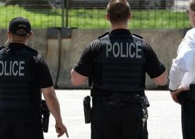 Оружие нашел в доме: в США двухлетний мальчик выстрелил в родителей из пистолета