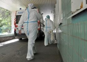 Пациентов размещают в коридорах: в мэрии заявили, что больницы Ивано-Франковска переполнены больными коронавирусом