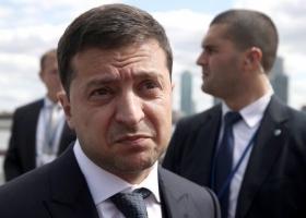 Зеленский за две недели придумал, что ответить на обвинения о возможной причастности к отмыванию денег Коломойским